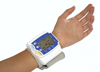 Blood pressure measurement with wrist automatic monitor